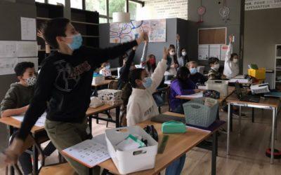 Un cours d'espagnol joyeux et participatif